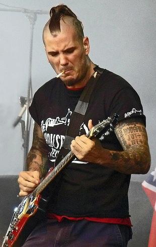 anselmo-guitar