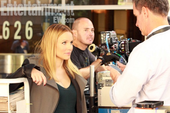 Kristen-Bell-on-set-of-the-Veronica-Mars-Movie-585x390