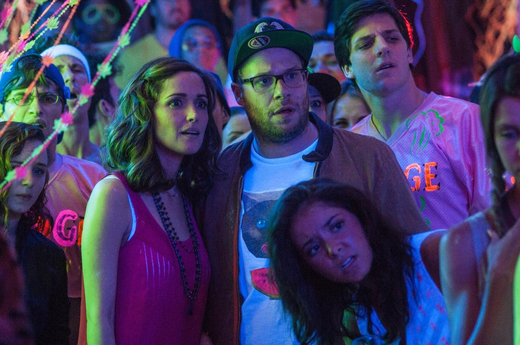 still-of-rose-byrne-and-seth-rogen-in-neighbors-2014-large-picture
