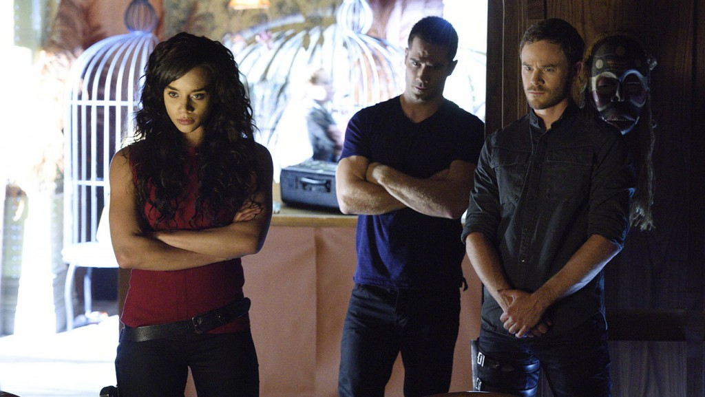 "KILLJOYS -- ""Bangarang"" Episode 101 -- Pictured: (l-r) Hannah John-Kamen as Dutch, Luke Macfarlane as D'Avin, Aaron Ashmore as John -- (Photo by: Steve Wilkie/Syfy)"