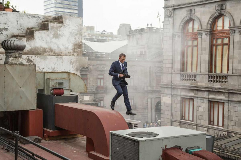 Daniel-Craig-as-James-Bond-on-the-Set-of-SPECTRE