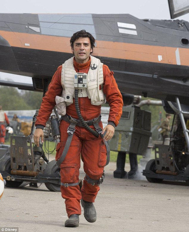 2B5CB4D900000578-3198849-Hero_Oscar_Isaac_plays_Poe_Dameron_in_Star_Wars_The_Force_Awaken-a-180_1439594259361