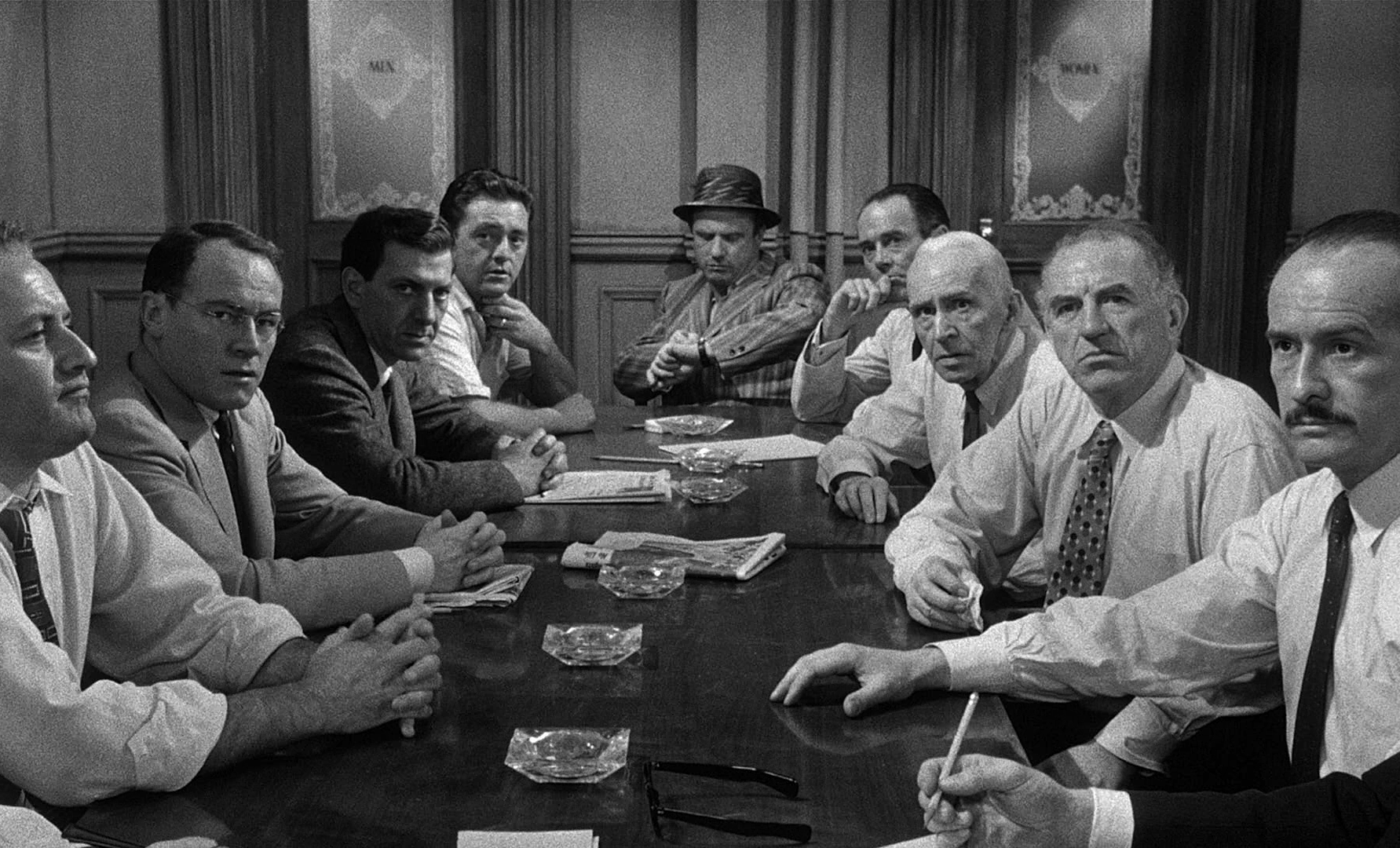 12 Angry Men: Jurors around the table